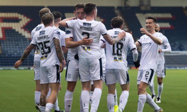 Dundee celebrate Jordan McGhee's opening goal at Stark's Park.