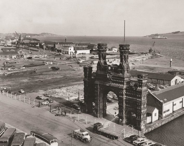 Royal Arch, Dundee.