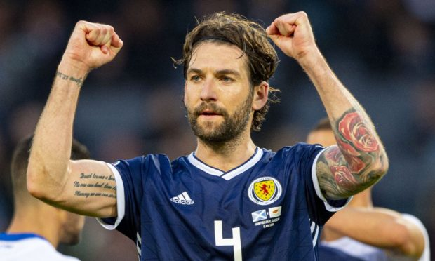 Former Scotland skipper Charlie Mulgrew has checked in at Dundee United.