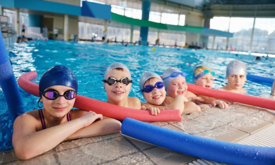 A petition has been launched urging the Scottish Parliament to ensure that all children will have had the opportunity to learn to swim