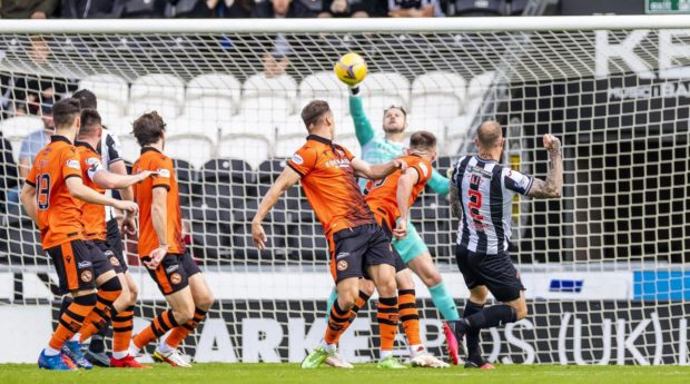 Trevor Carson made a late save to earn Dundee United a point at St Mirren