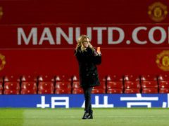 Julia Roberts has posed for a photo with Manchester United footballer Alexis Sanchez. (Martin Rickett/PA)
