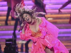 Shania Twain brought the curtain down on the American Music Awards with a career-spanning medley of her best-known songs (Chris Pizzello/Invision/AP)
