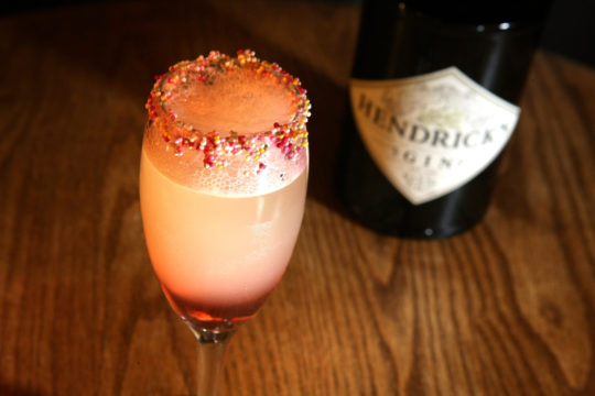 This Hendrick's Gin Cocktail Looks and Tastes Just Like a Fab Ice Lolly