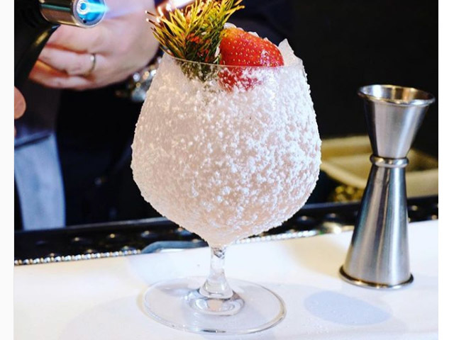 Featured Image for A restaurant in Edinburgh is now serving a gin snow globe in a glass