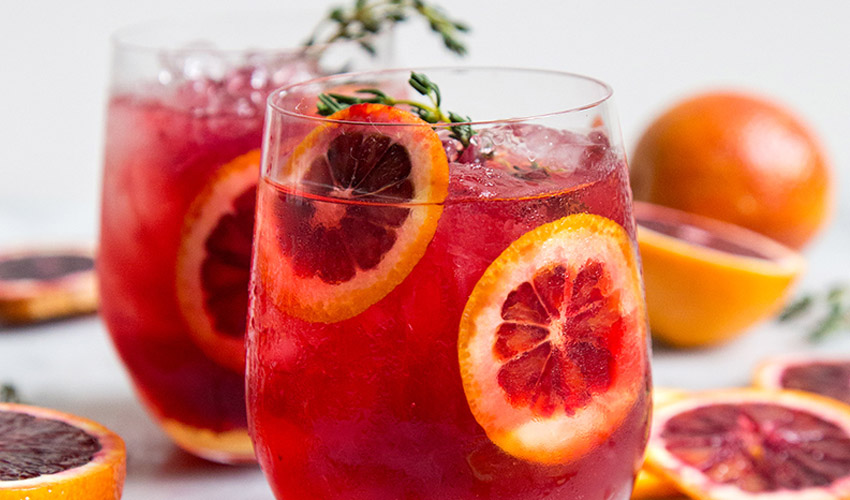 Featured Image for 5 Healthy Gin Cocktails (with Superfoods!) to Drink All January