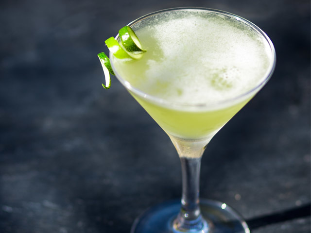 Featured Image for Gimlet cocktail recipe with lime juice
