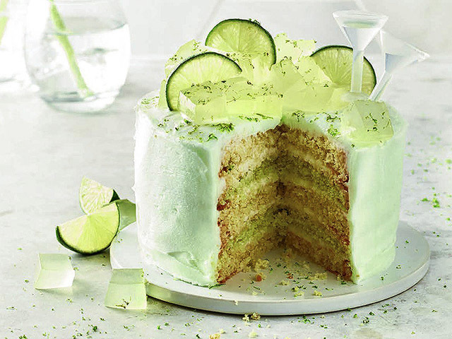 Featured Image for Gin and tonic cake recipe, with Lakeland frosting
