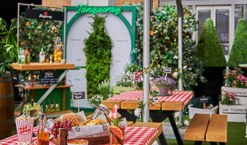 Tanqueray gin garden