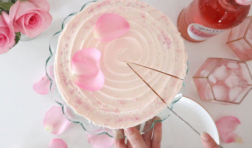 gin & pink rose lemonade cake