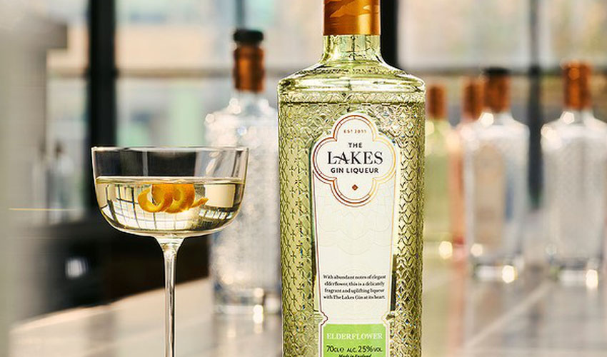 the lakes gin bottles