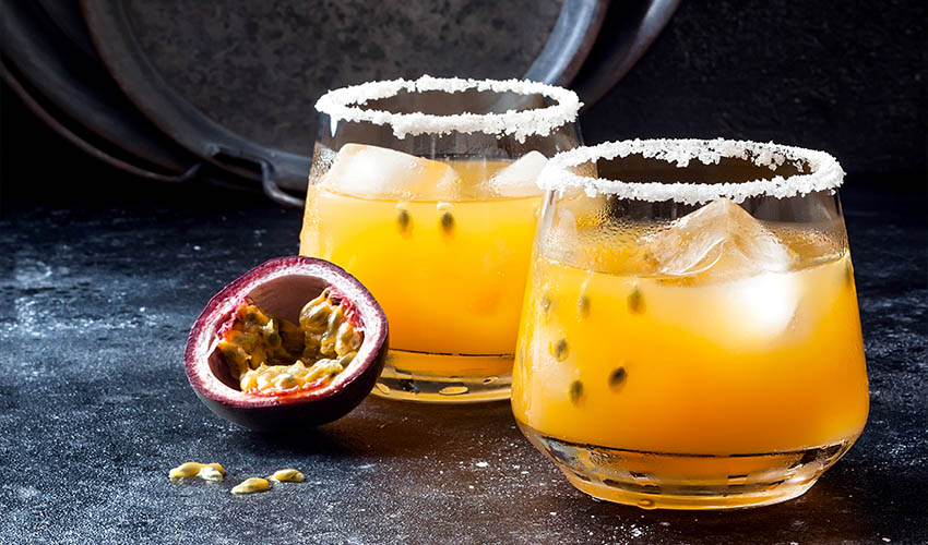 passionfruit gin collins