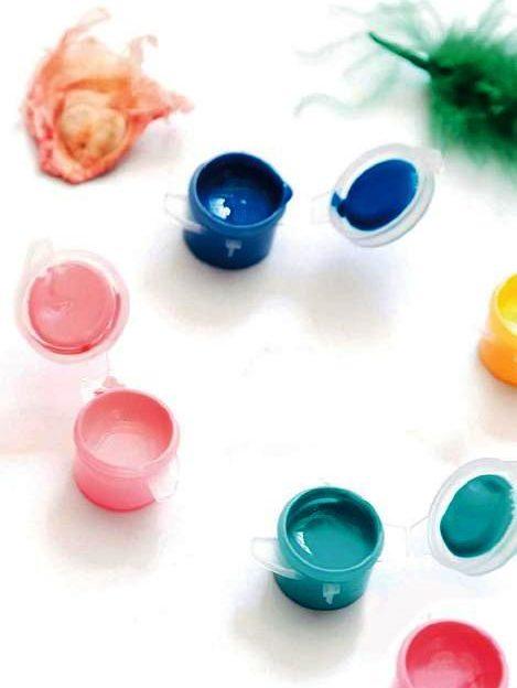 Little paint pots