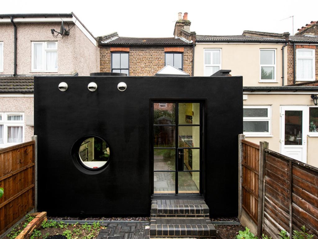 Rubber house paint