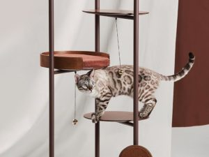 three poles cat tower