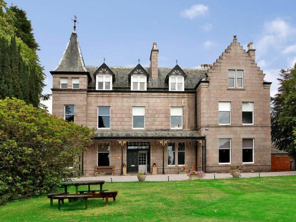 party lodges scotland