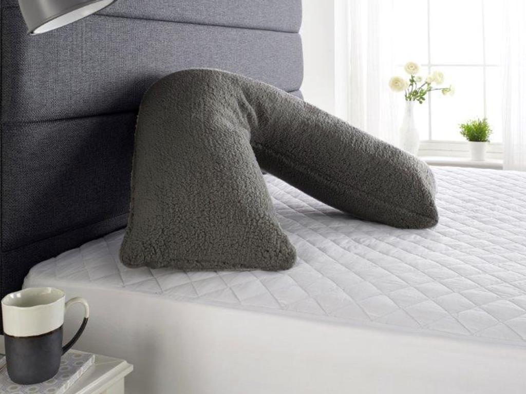 fluffy fleece v pillow