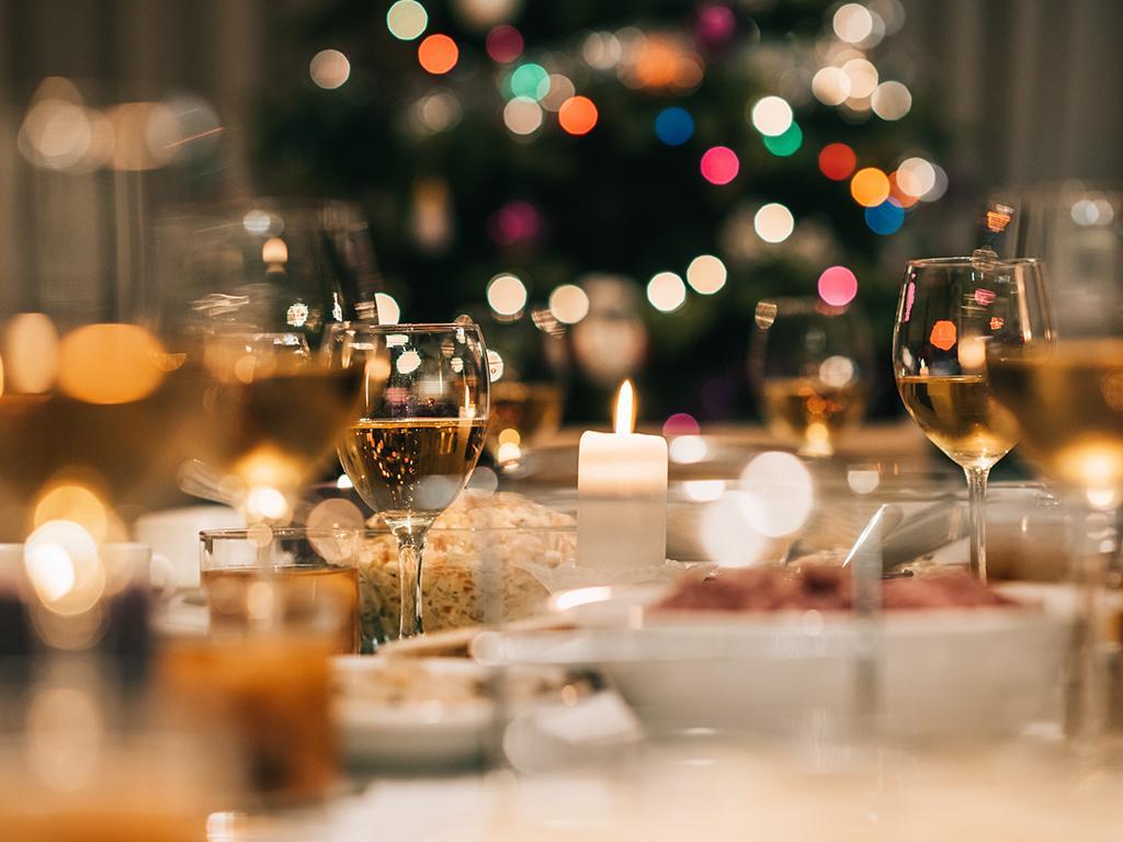 aldi host christmas dinner