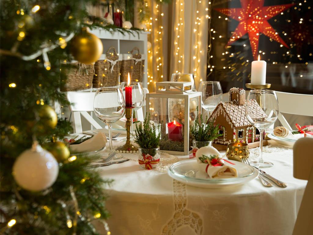 Modern Christmas Table Settings Ideas