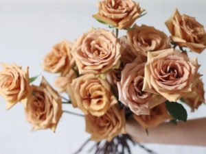 Toffee Rose Are The Sweet-Inspired Flowers Taking Over Homes This Spring