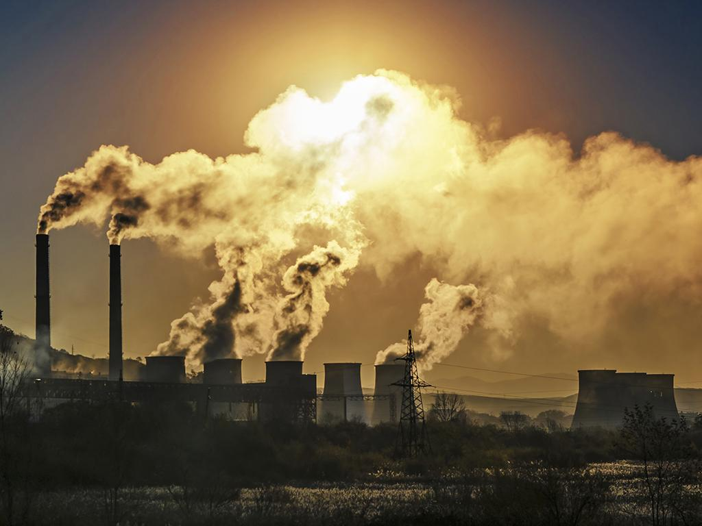 global pollution levels fall