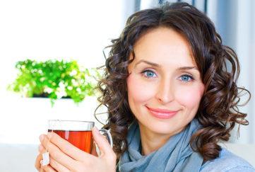 Women enjoying a cup of tea Pic: Rex/Shutterstock