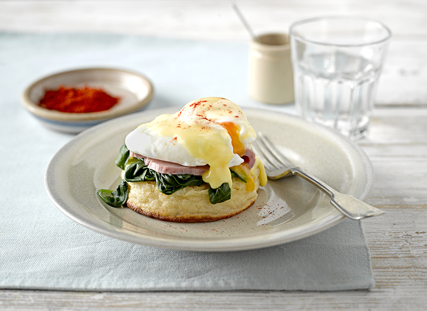 A perfect breakfast with egg and ham