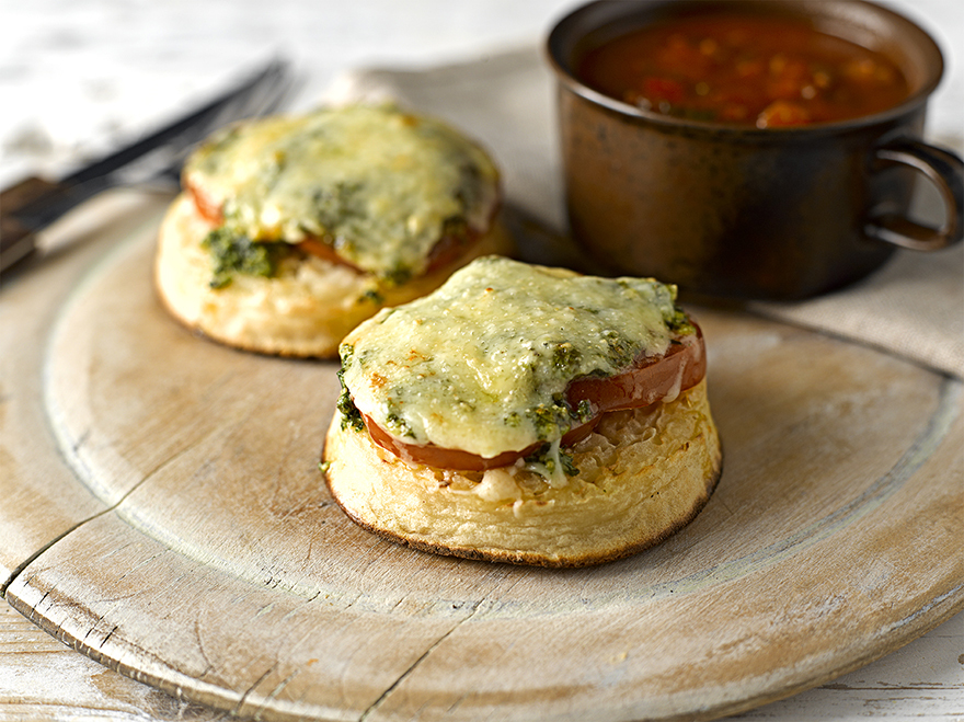Crumpet with Pesto, Tomato and Cheese topping