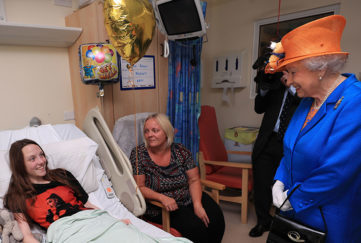 the queen with young victim of manchester bombing