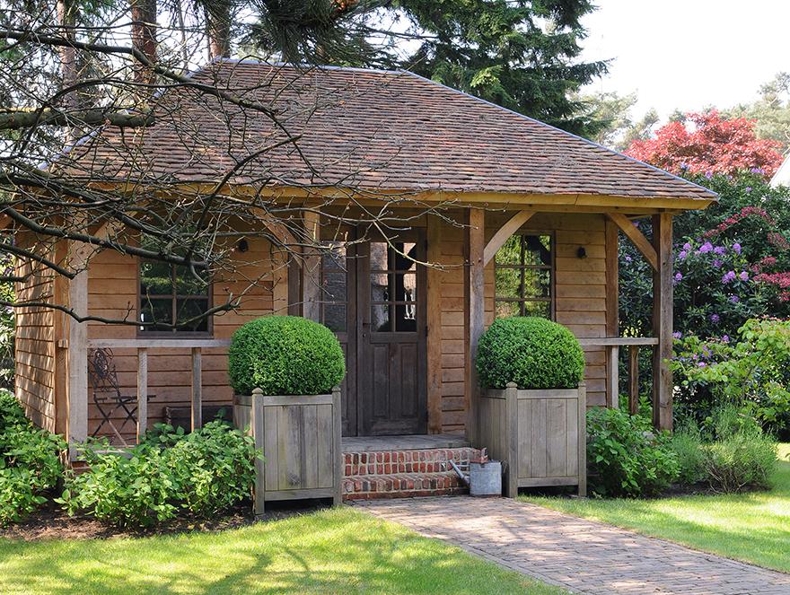 Grandeur cottage garden room