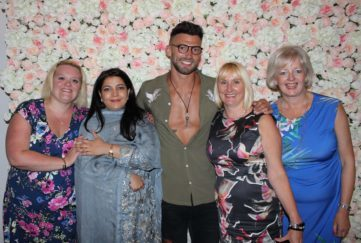 Fiona Sweeney, Asma Yasin, Jake Quickenden, Andrea Brookshaw, Louise Elliott ar Francis House Ladies Lunch