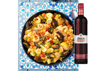 Paella and red wine
