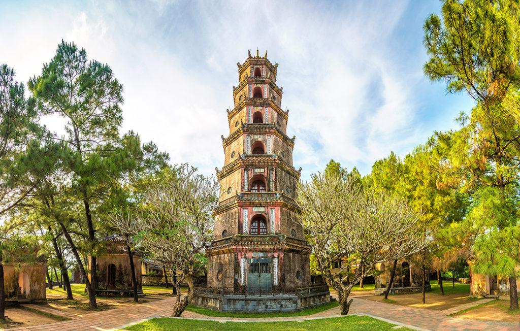Panorama of Thien Mu Pagoda in Hue Pic: Shutterstock