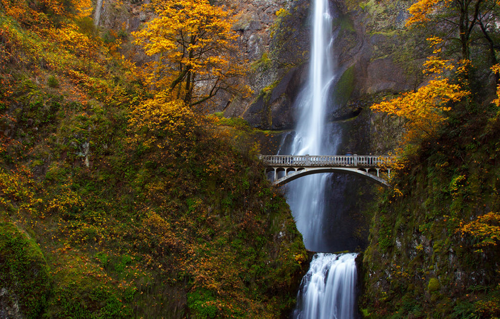 Multnomah Falls as below