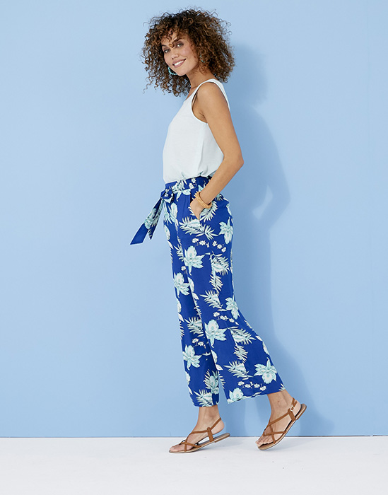 DAMART SS20 - SUMMER_11_026 - trousers £29, top £19. Q634 and Q662x