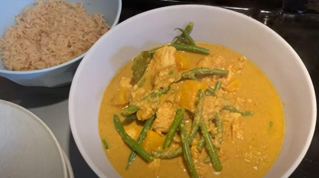 Davina's chicken curry