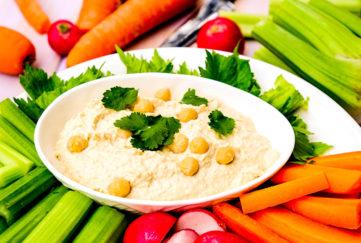 Veg and Hummus Pic: Shutterstock