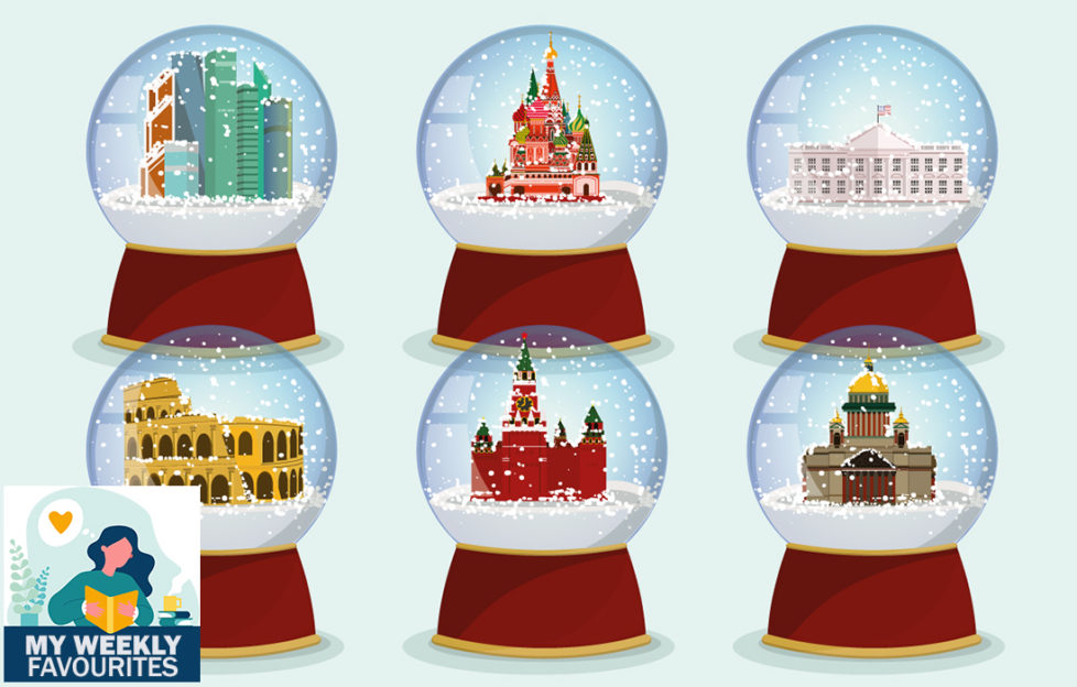 6 snowglobes with local tourist attractions inside including Coliseum