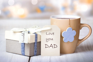 Father's day gift and mug Pic: Shutterstock