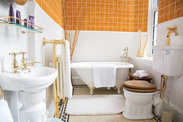 House of Turin bathroom, Image by Eve Conroy