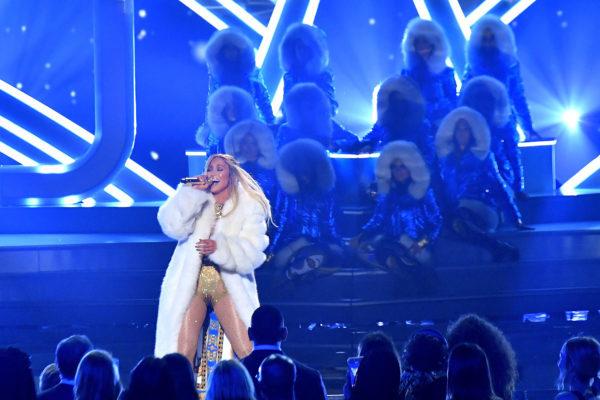 Jennifer Lopez at VMAs