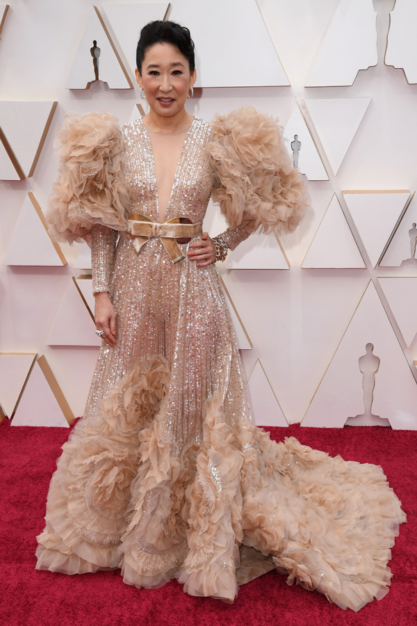 Sandra Oh Oscars Red Carpet
