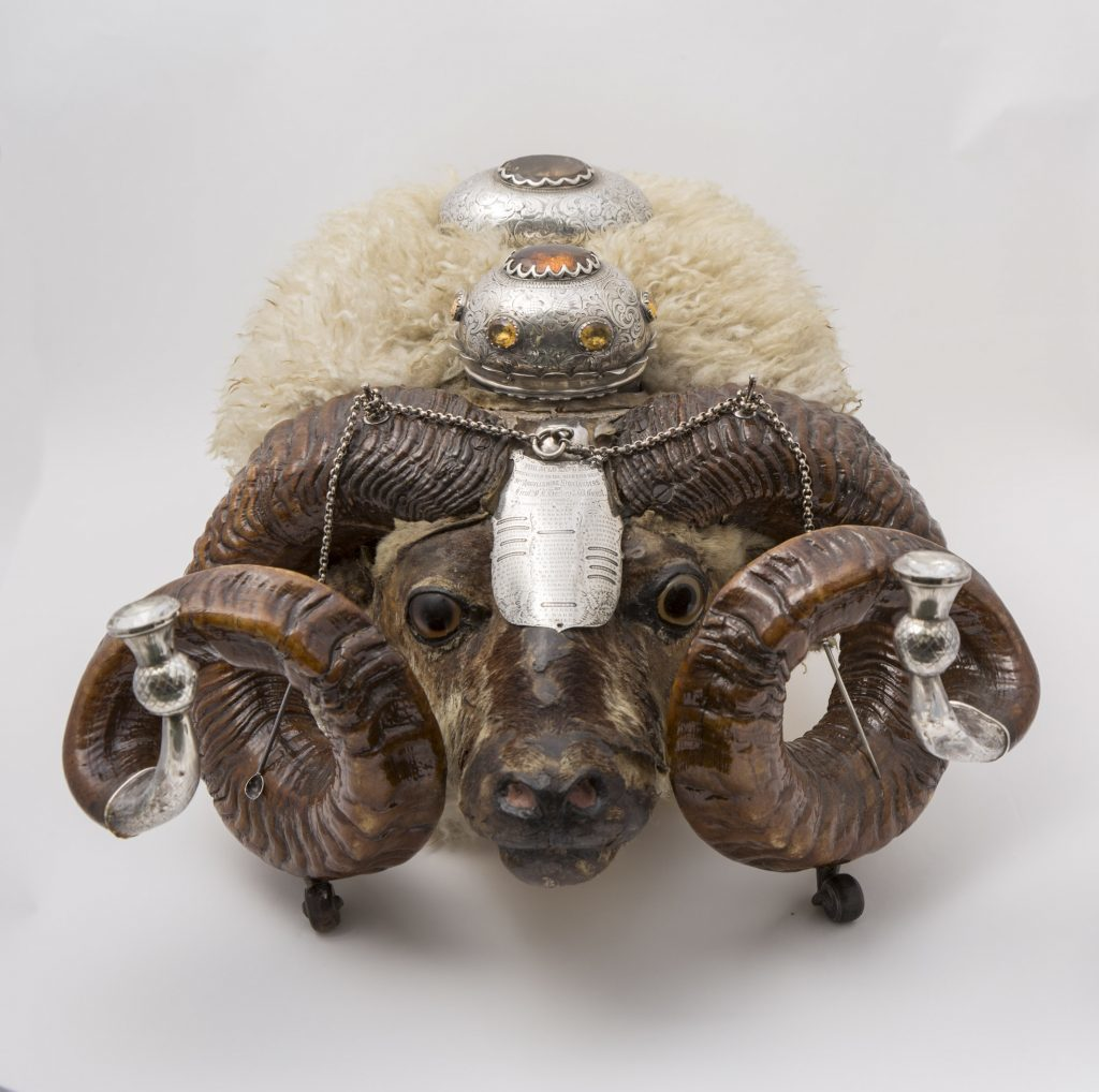 Argylls officers' ram's head snuff box from the 19th century.