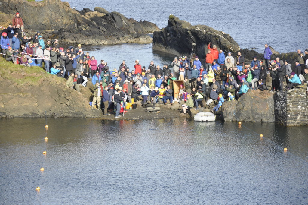Hundreds of people turned out for last year's World Stone Skimming Championships on Easdale. 17_T39_StoneSkimming02