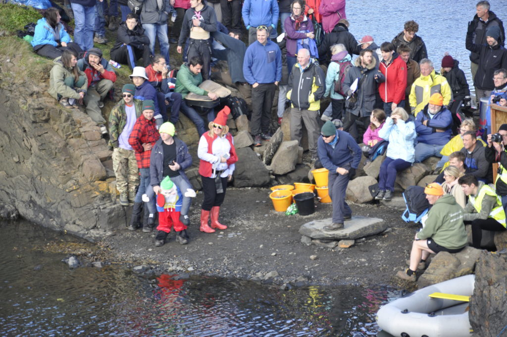 There were around 350 people who took part in the competition. 17_T39_StoneSkimming06