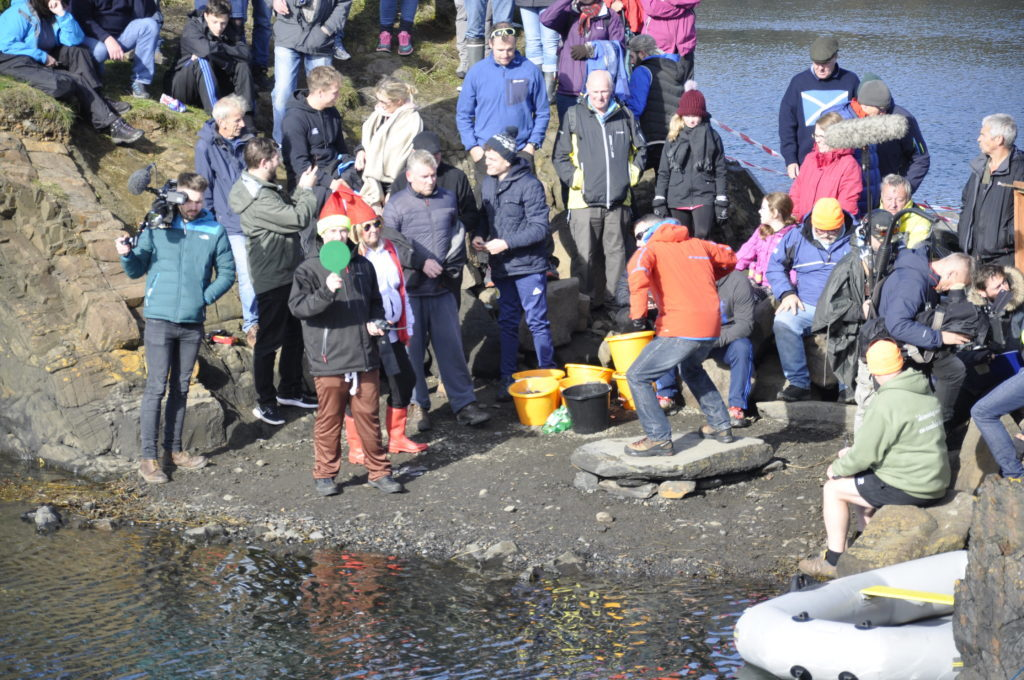 There were around 350 people who took part in the competition. 17_T39_StoneSkimming07