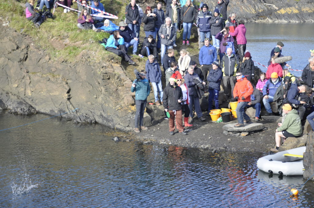 There were around 350 people who took part in the competition. 17_T39_StoneSkimming08