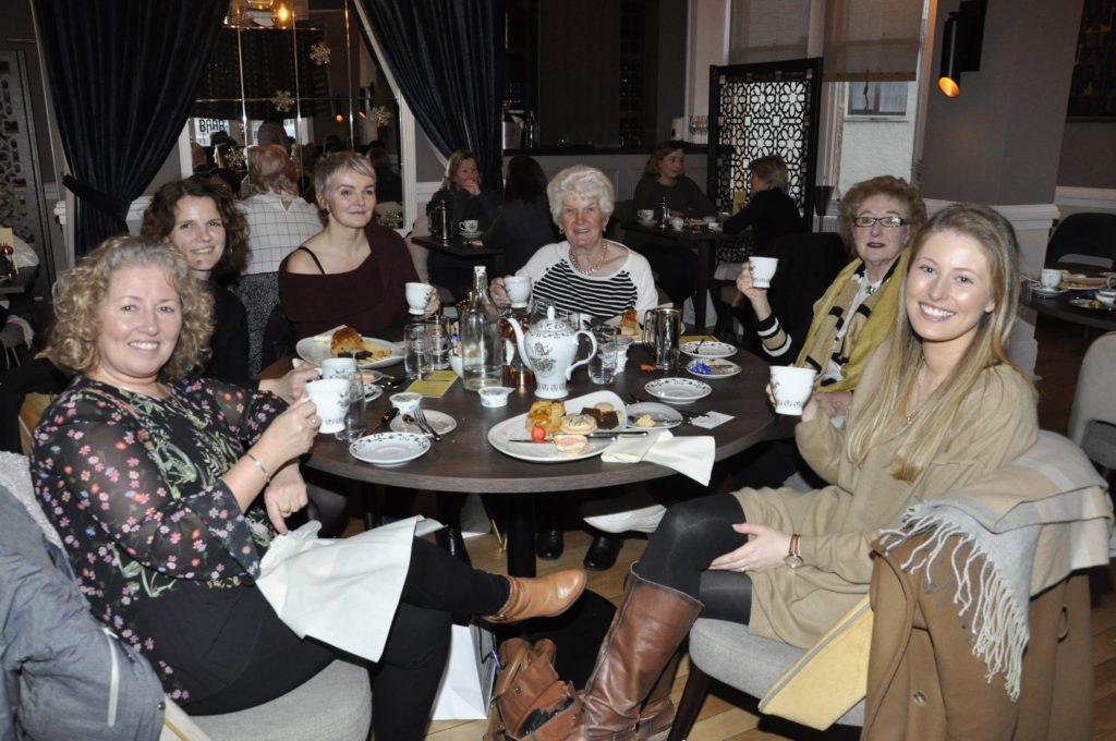 Another table who enjoyed their teapot filled with gin. 17_T48_WinterFestivalSunday06
