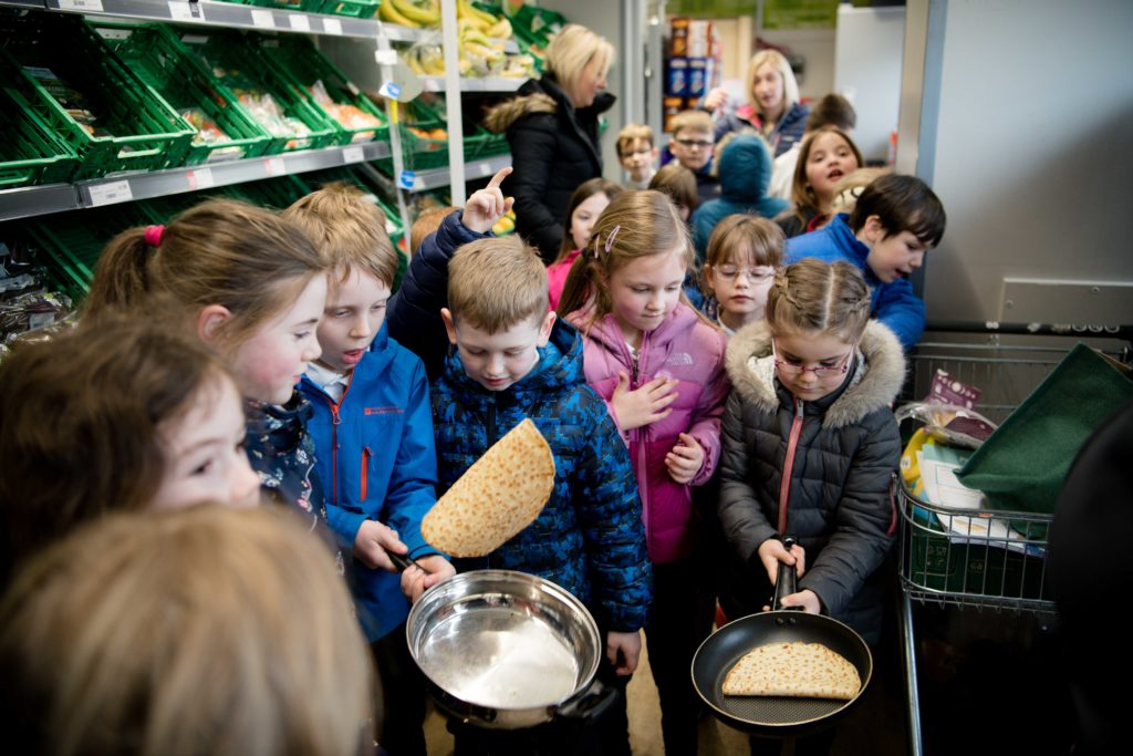 Banavie primary pancake flipping contest_-7