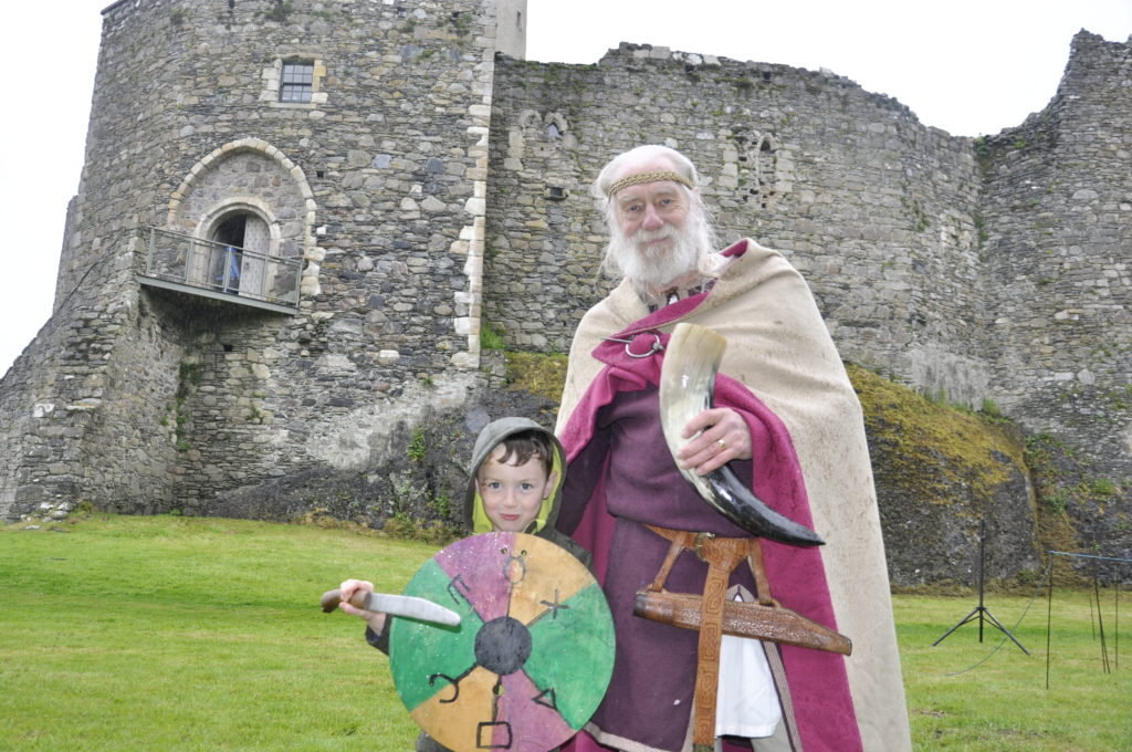 Godfrid innMagri or Godfrid the Slender with six-year-old Joseph Collins from Glasgow. 17_T22_Vikings03